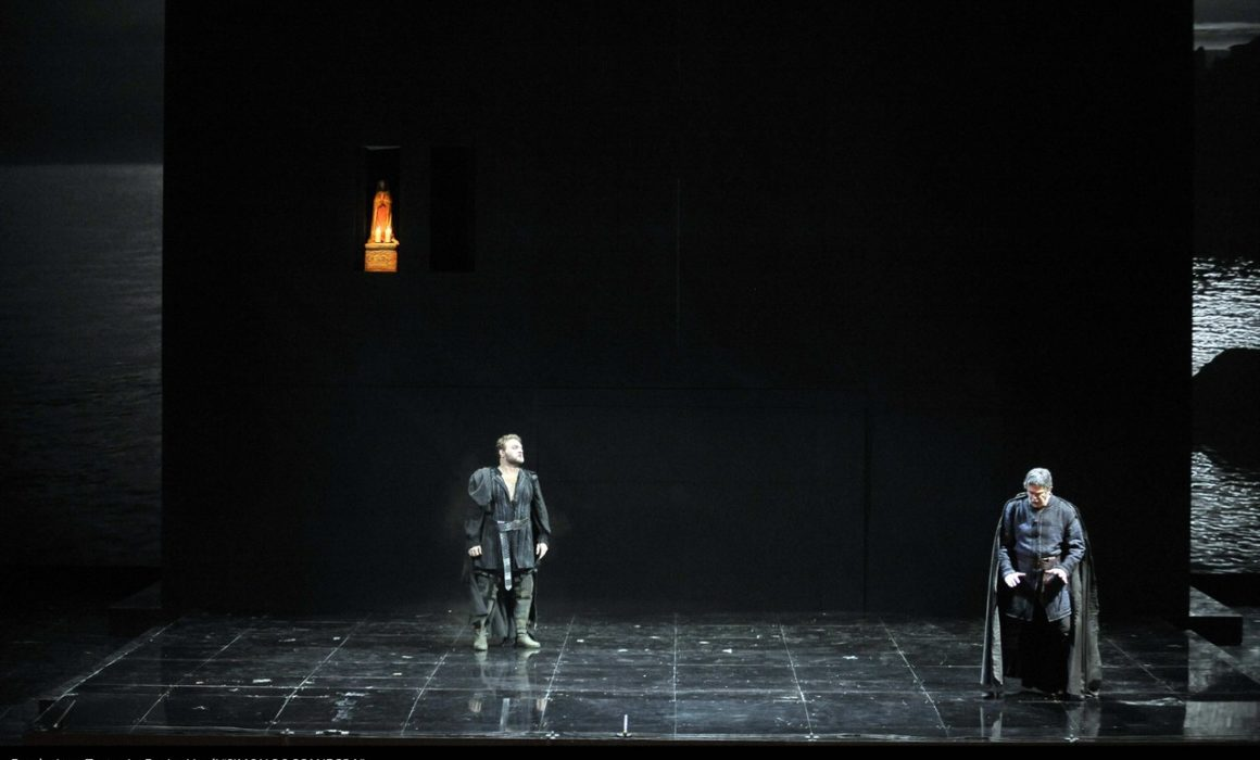 Simon Boccanegra- Teatro La Fenice di Venezia, 2014- Giacomo Prestia as Fiesco - scena