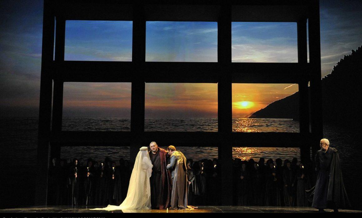 Simon Boccanegra- Teatro La Fenice di Venezia, 2014- Giacomo Prestia as Fiesco finale con Agresta e Piazzola