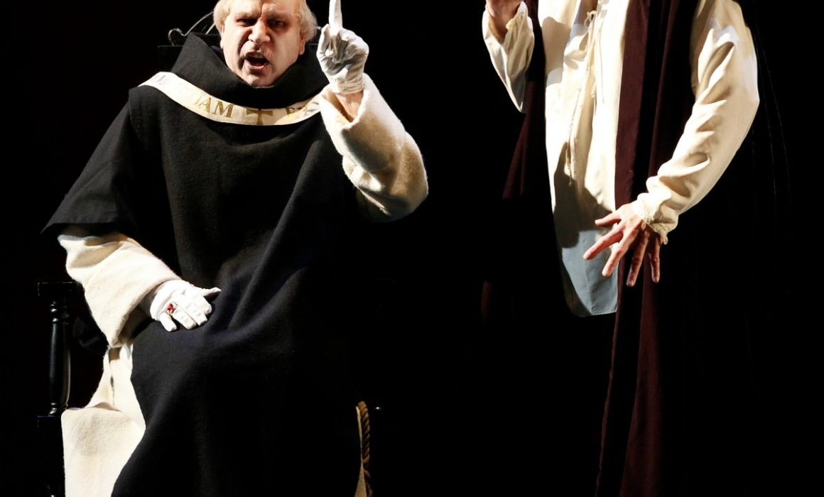 Don Carlos, Giacomo Prestia as Filippo II. Australia- with Inquisitore