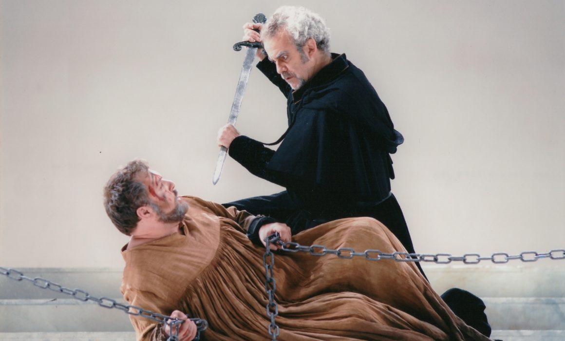 Simon Boccanegra- Giacomo Prestia as Fiesco - Madrid- foto con spada