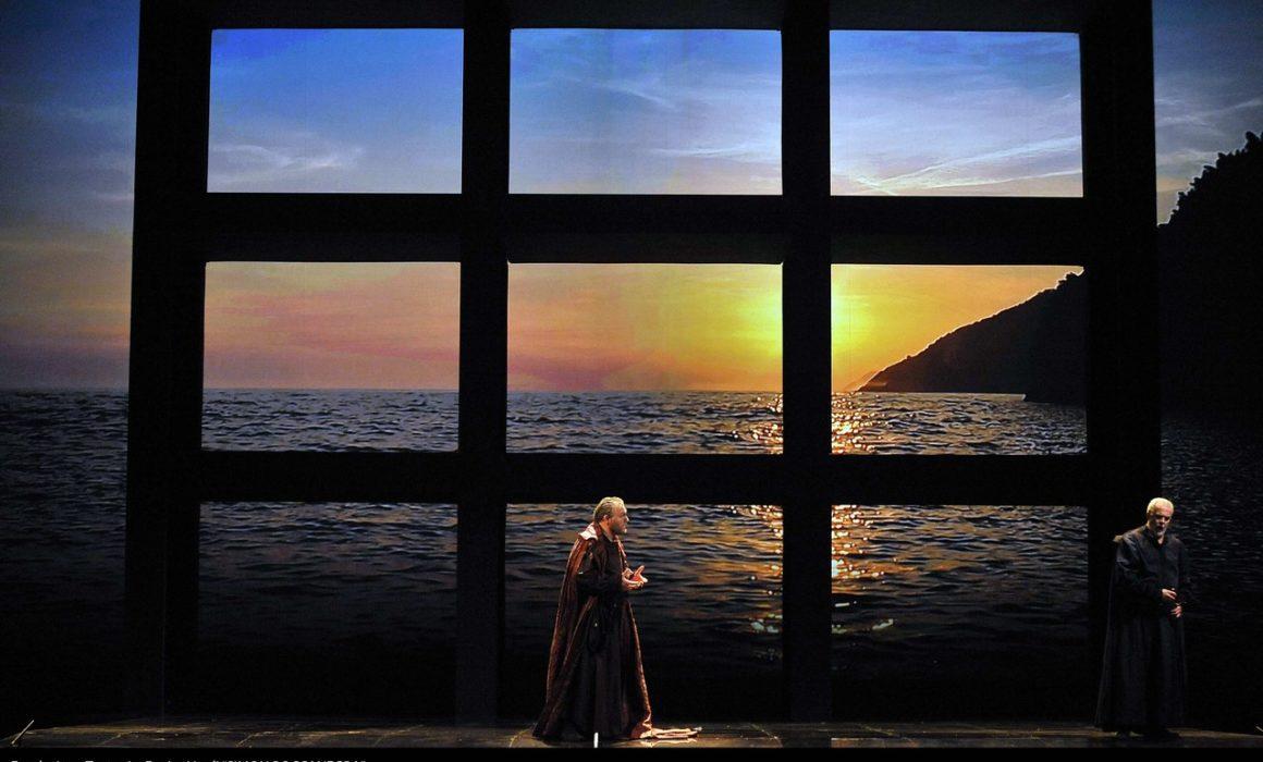 Simon Boccanegra- Teatro La Fenice di Venezia, 2014- Giacomo Prestia as Fiesco con Piazzola, finale 2